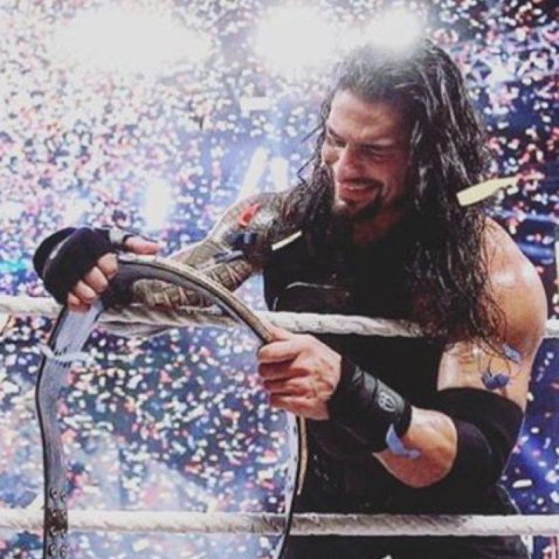 Celebró en grande su hazaña Foto:WWE