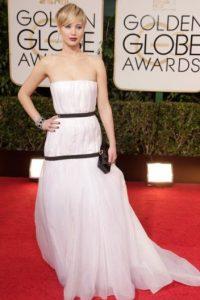 Aparte de los memes, este Dior hacía ver a Jennifer Lawrence como si portara un costal. Foto:vía Getty Images