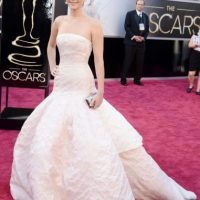 Lejos, por mucho de lo que usó cuando ganó el Oscar. Foto:vía Getty Images