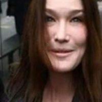 10. La ex modelo Carla Bruni no pudo ocultar su lifting facial.
