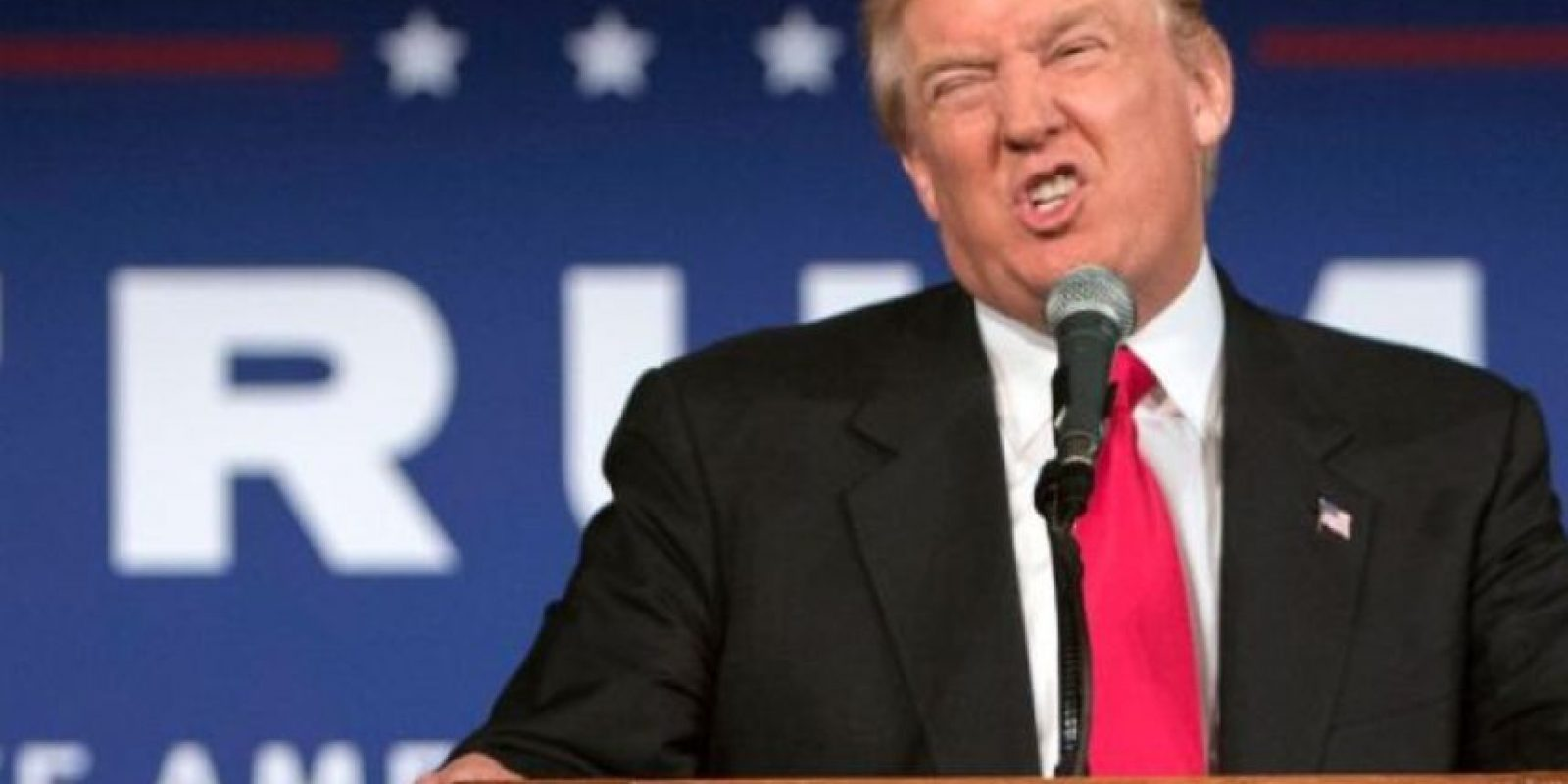 Donald Trump se burló de la discapacidad de Serge Kovaleski. Foto:Vía Youtube