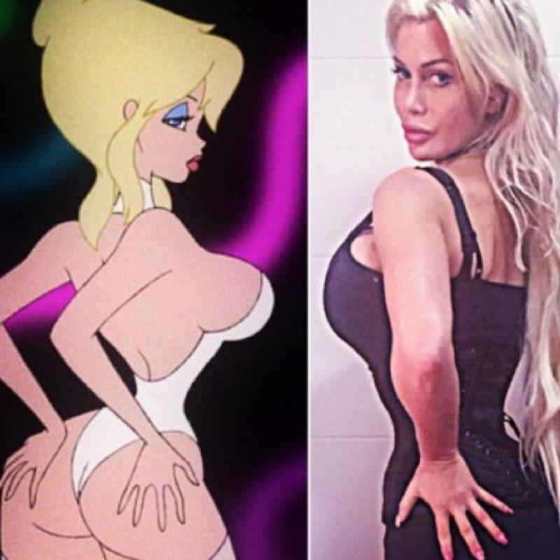 """A caricaturas como Jessica Rabbit y Holli Would, de """"Cool World"""" (en la foto). Foto:vía Facebook/Pixee Fox"""