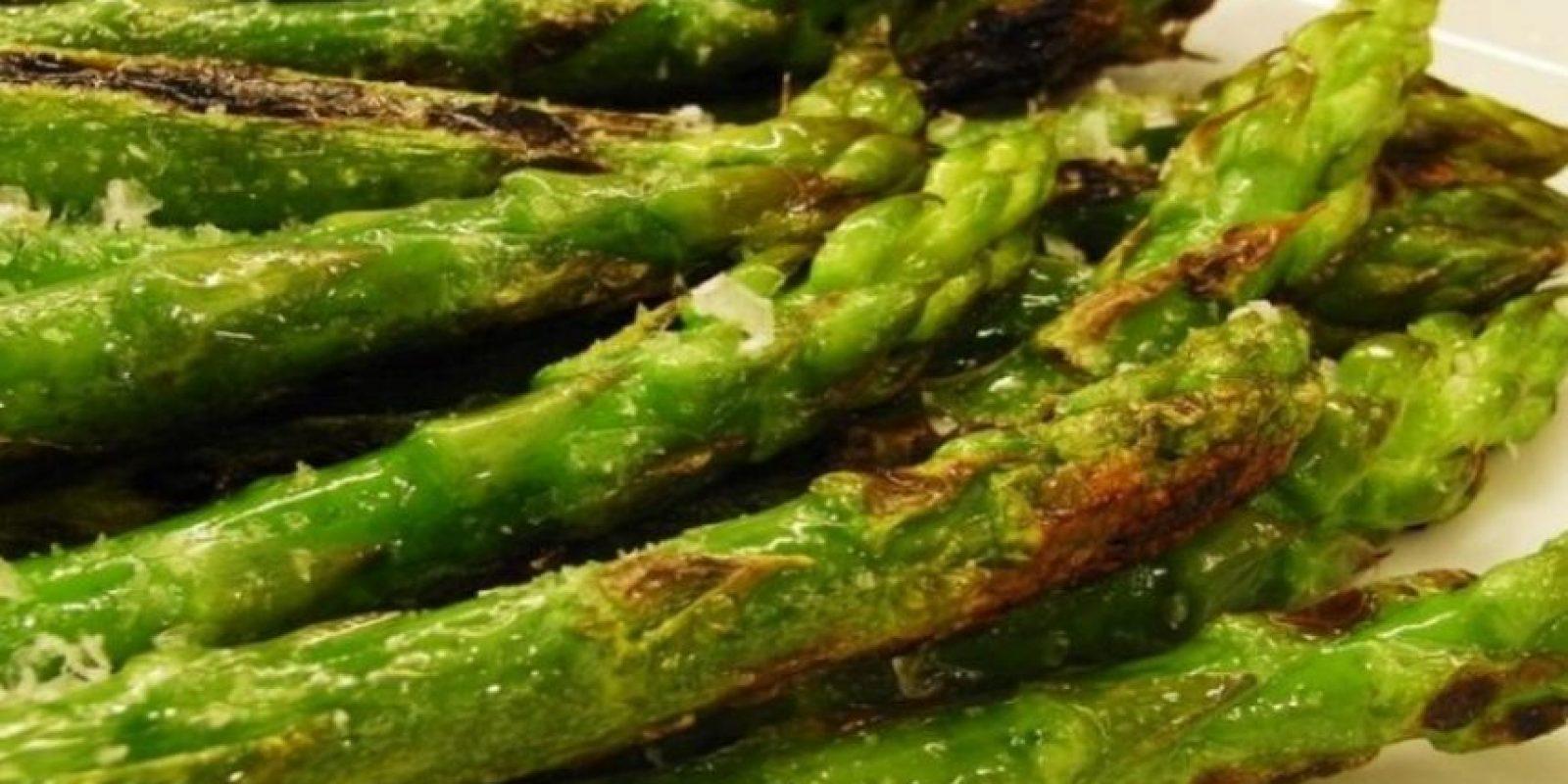 Además de su apariencia fálica, el espárrago puede ser un gran potenciador de la libido. Son ricos vitamina E, esencial para impulso sexual saludable. Foto:Tumblr