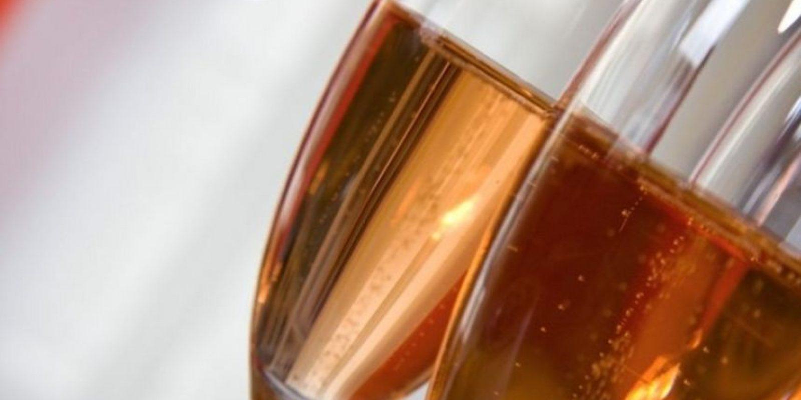 Todo el alcohol tiene un toque afrodisiaco, menciona Brooke Lewis, experto en citas. Foto:Tumblr