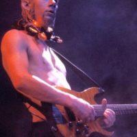 El guitarrista de Limp Bizkit siempre impresionó con sus atuendos. Foto:vía Getty Images