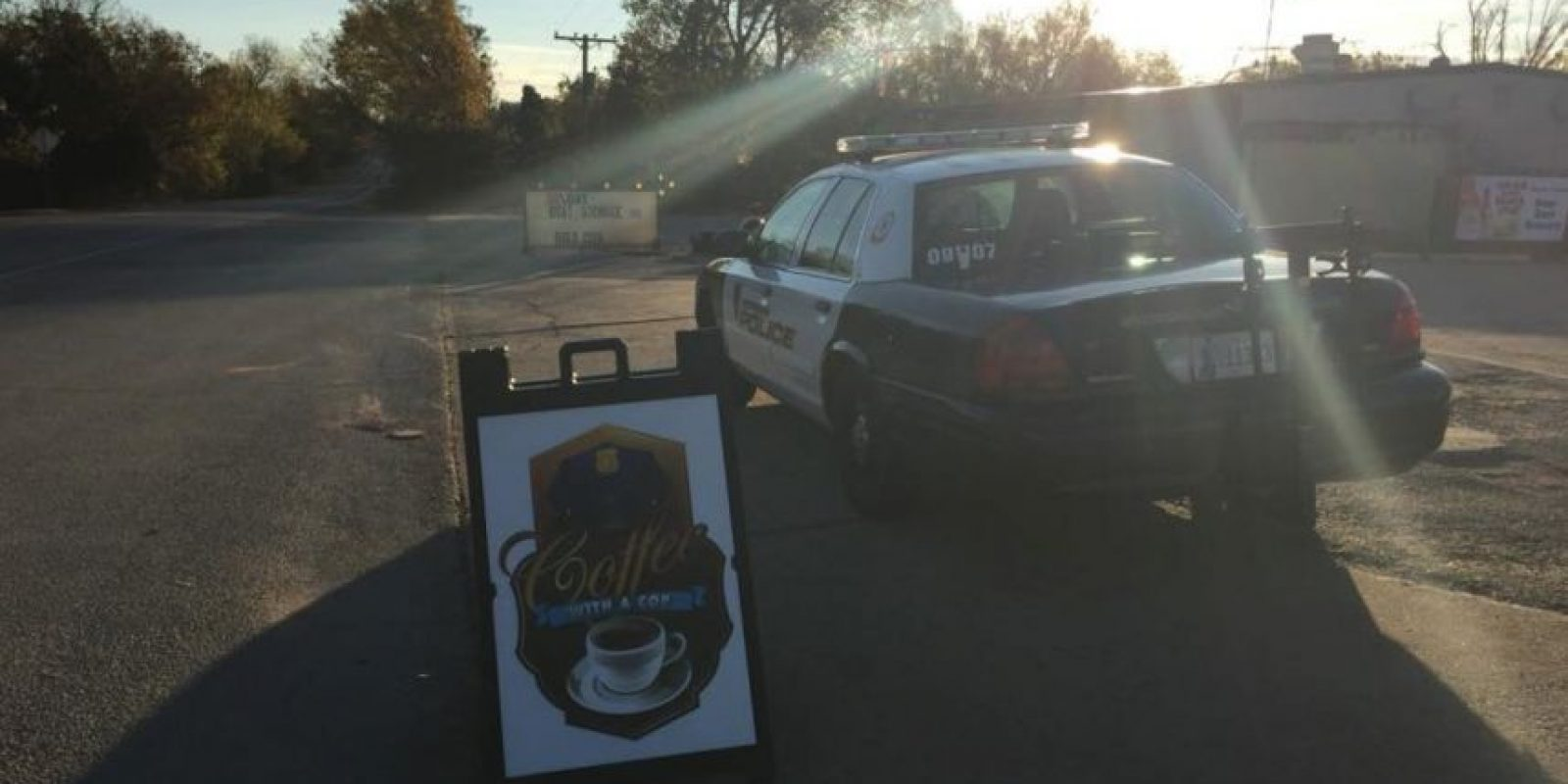 Luego de ser rescatado, estuvo al cuidado del Departamento de Policía. Foto:Vía facebook.com/City-of-Norman-OK-Police-Department