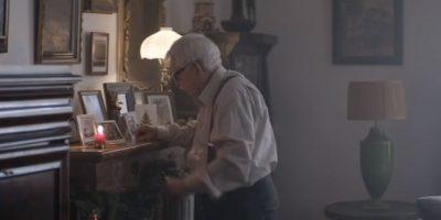 ¿A quién se le ocurre en Navidad dejar solo a su padre anciano? Foto:vía Edeka