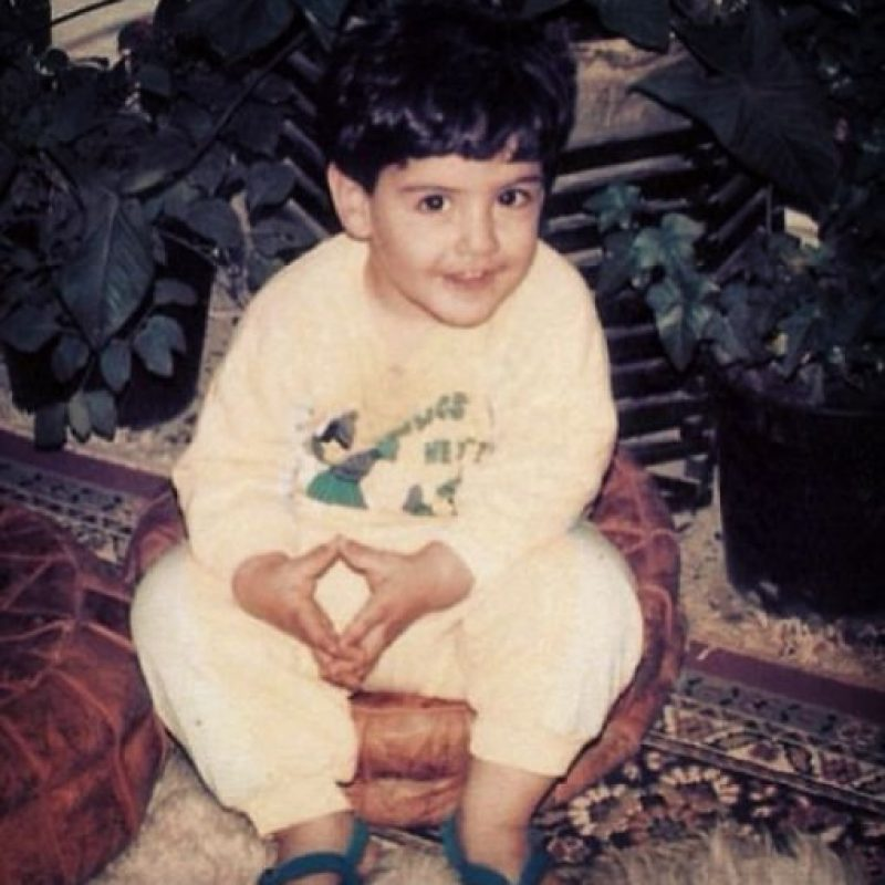 """""""Mírenme, posando desde que era un niño"""" Foto:Vía Instagram/@omarborkan"""