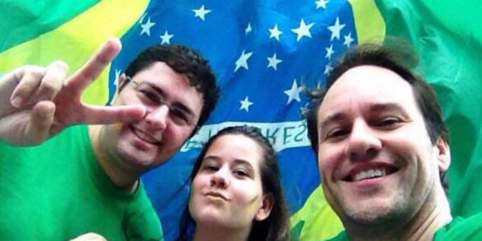 Su hermano Fábio Lopes quiso adoptarla, pero por ser gay, le hicieron la vida imposible. Foto:vía Facebook