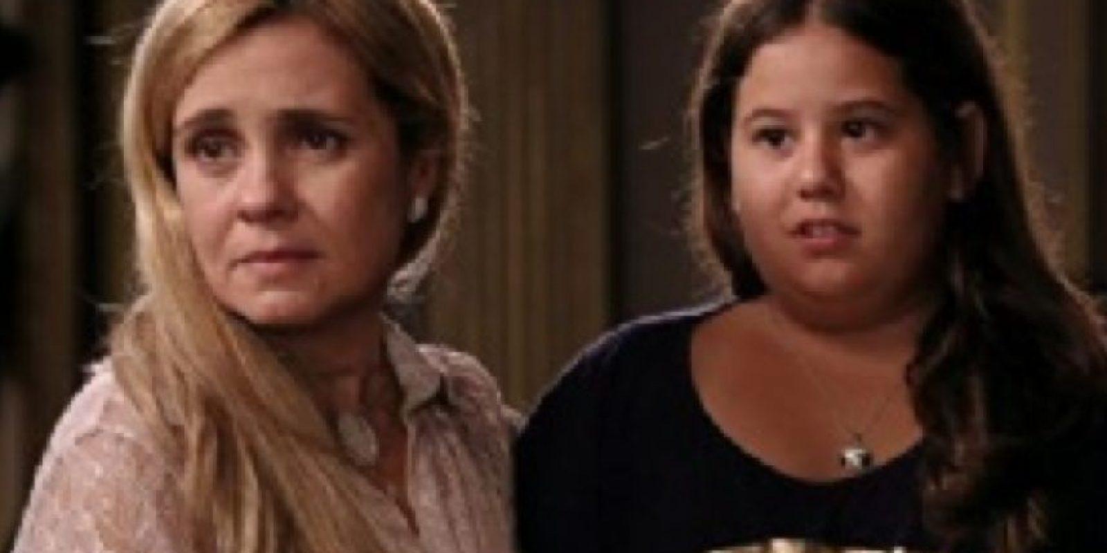 """Era despreciada por su madre, """"Carminha"""" (la grandiosa villana interpretada por Adriana Esteves). Foto:vía Globo"""