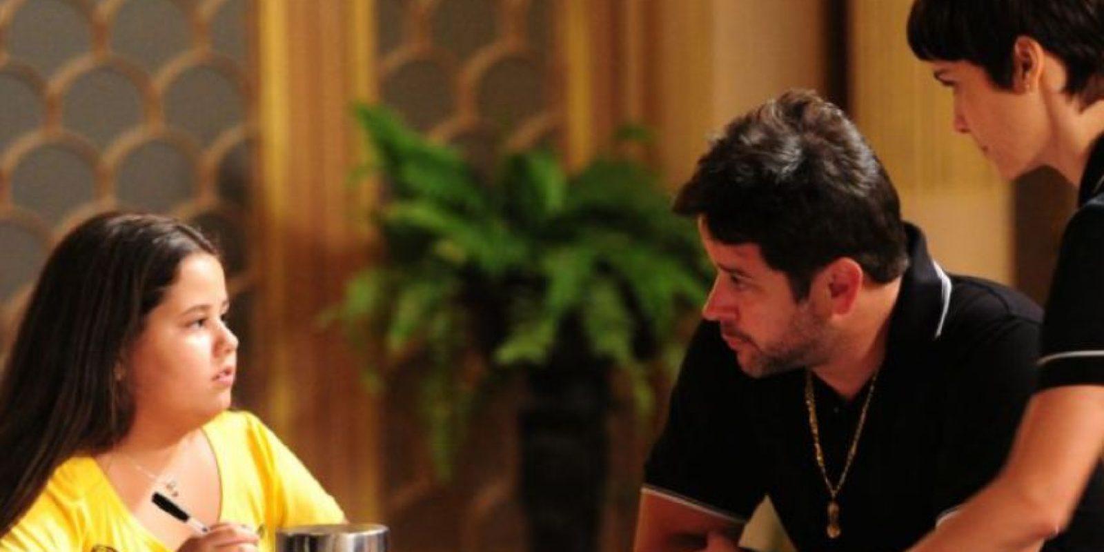 """Y muy querida por su supuesto padre, """"Tifón"""" (interpretado por Murilo Benício). Foto:vía Globo"""