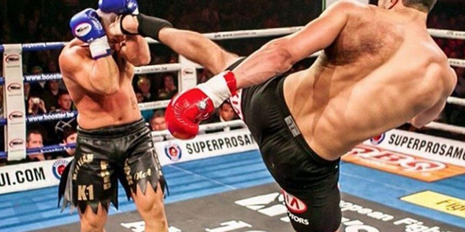 Fue Campeón de los Pesos Pesados de K-1 en 2008 y también Campeón de los Pesos Pesados de Showtime en 2010. Foto:Vía instagram.com/badrhariofficial