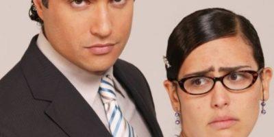 """Los críticos de telenovelas coinciden en la parodia de la telenovela original, la sobreactuación y la infantilización del personaje de """"Betty"""", que en esta ocasión se llama """"Letty"""". Foto:vía Televisa"""