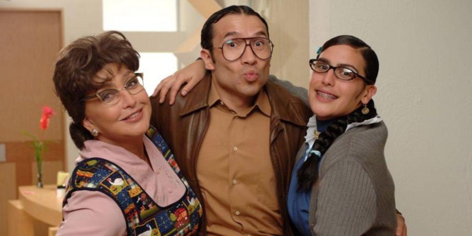 Se ha criticado que todos los personajes sean una burda imitación. Foto:vía Televisa