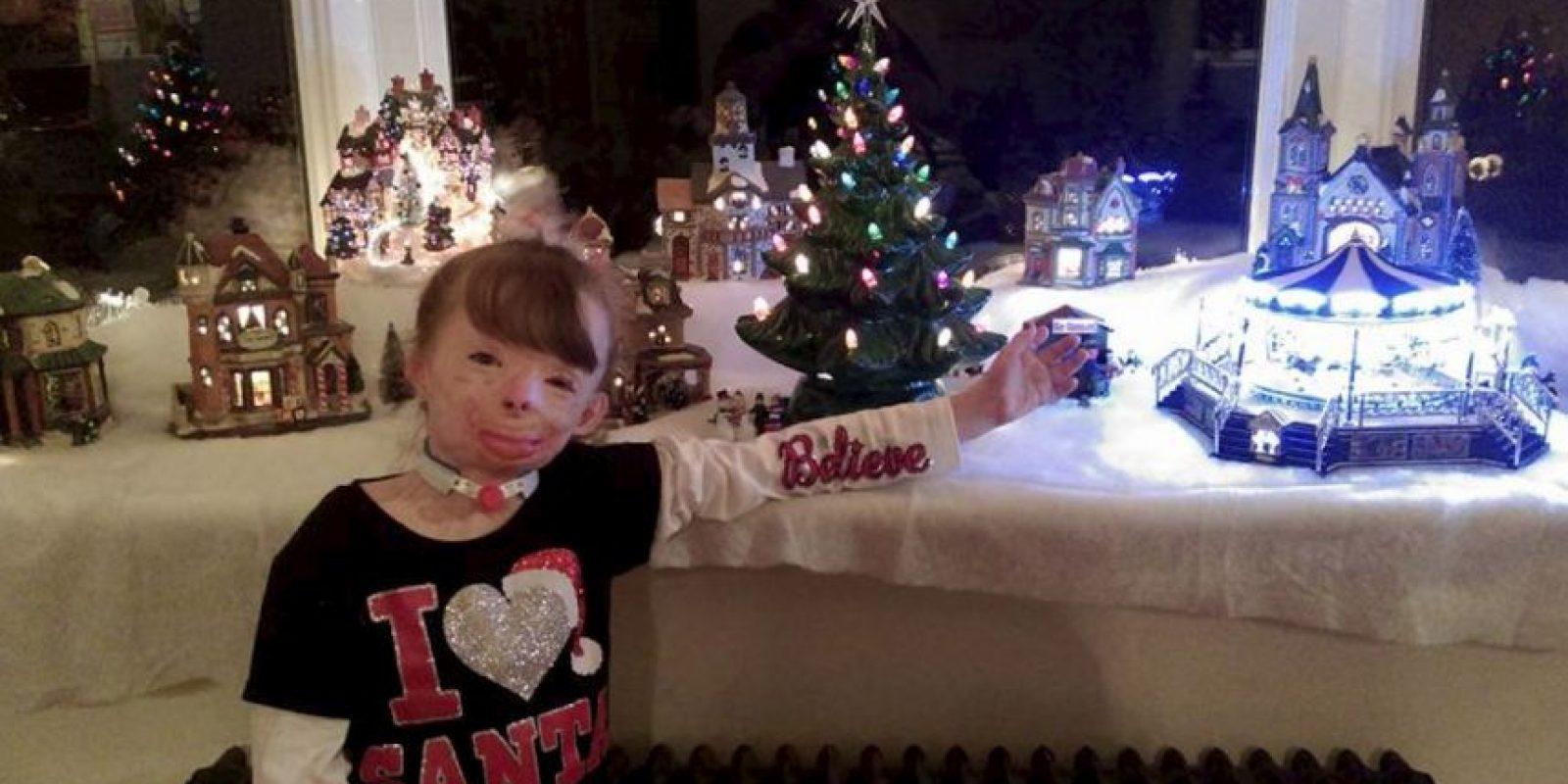 La familia recibe solo 10 tarjetas. Foto:Vía facebook.com/Schenectadyssupersurvivor
