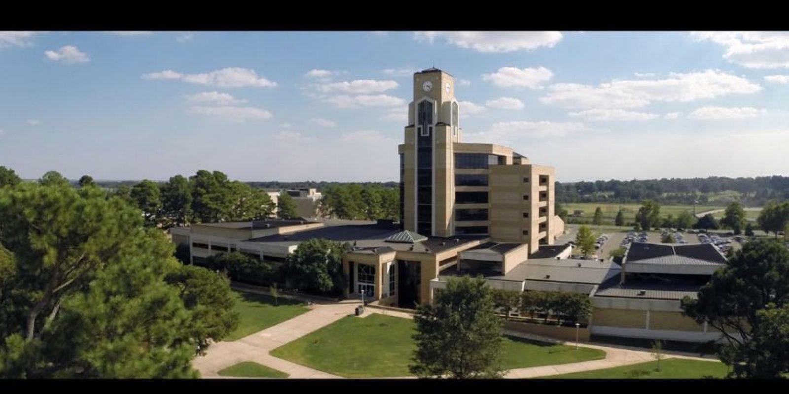 La Universidad fue bloqueada y sus actividades supendidas. Foto:Vía facebook.com/ArkansasState