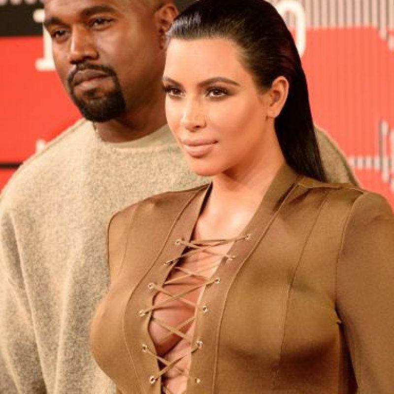El color del vestido y el material no pudieron ser peores. Foto:vía Getty Images