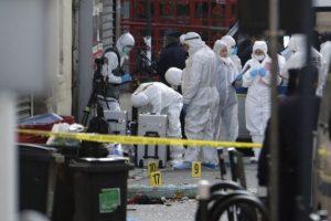 Dos muertos y siete detenidos en la operación para capturar al presunto cerebro del 13 de noviembre Foto:AFP