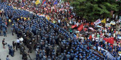 Se desplegaron más de 20 mil policías en Manila. Foto:AFP