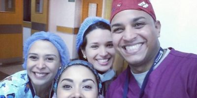 Orlando de la Rosa Jacobo junto a sus compañeros de trabajo
