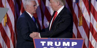 Estuvo acompañado de Mike Pence, su familia e integrantes de la campaña Foto:AP