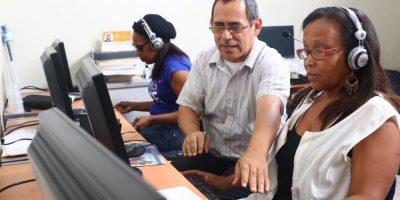 Actividad productiva que realizan las personas no videntes Foto:Cortesía de Patronato Nacional de Ciegos