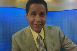 """Carlos Batista. El hombre """"más bello y más caro de la televisión dominicana"""", Carlos Batista Matos, también se dejó seducir.Desde el 2010, el hombre de las corbatas divide su tiempo entre la presentación de su programa televisivo, """"Con los famosos"""" y la regiduría del Distrito Nacional.Batista, además, ha expresado su deseo de llegar al Congreso Nacional en calidad de Senador, aunque asegura que se conforma con un puesto en la Cámara de Diputados. Foto:Fuente Externa"""