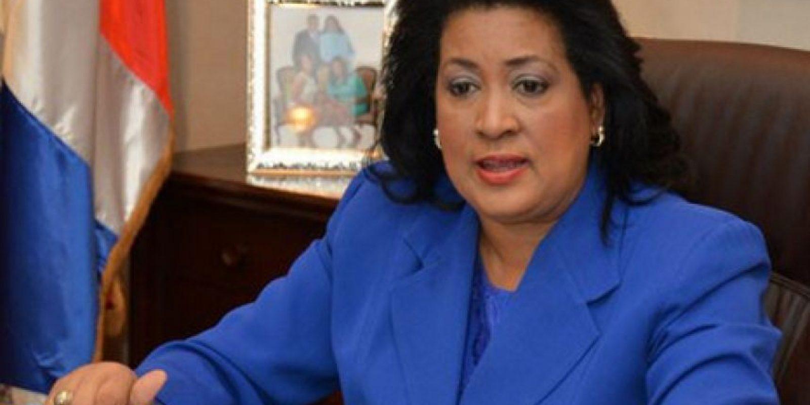3) Cristina LizardoCon más del 60 % de los votos, se perfila como la senadora de Santo Domingo que continúa. Ha acumulado 18 años ocupando una posición congresual; desde 1998 hasta 2002, diputada del DN y desde 2002 hasta 2006 diputada por SD. Tiene el puesto de senadora por Santo Domingo desde agosto de 2006; llegó hasta la presidenta de la cámara alta en 2014. Foto:Fuente Externa