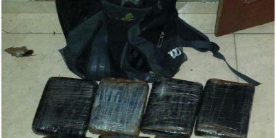 DNCD captura a dos personas que llevaban ocho paquetes de droga a Puerto Rico