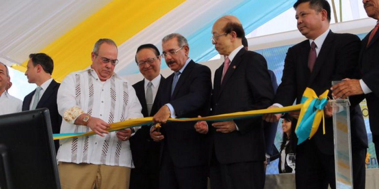 Danilo Medina durante la inauguración Foto:Fuente Externa