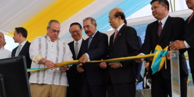 Danilo inaugura  el primer proyecto fotovoltaico del país en Monte Plata
