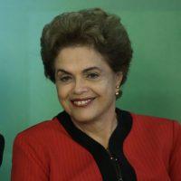 4- Dilma Rousseff. Esta economista es la actual presidenta de Brasil. Ocupa el puesto desde 1 de enero de 2011, siendo la primera mujer que ostenta el cargo de máxima dirigente política de su país.En 1985 Rousseff fue secretaria de Hacienda de Porto Alegre.Para 1990 fue nombrada presidenta de la Fundación de Economía y Estadística (FEE). En 1993 fue secretaria de Energía, Minas y Comunicaciones del Estado. En 1998 volvió a ocupar el cargo. Foto:Fuente externa