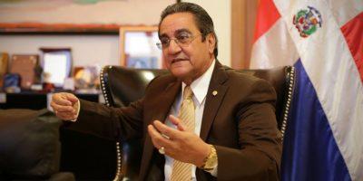 Iván Grullón, rector de la UASD, durante una entrevista en su despacho. Foto:Roberto Guzmán