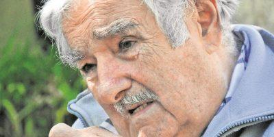 Mujica ganó notoriedad internacional por su austero estilo de vida –dona el 90 % de su sueldo a programas contra la pobreza– y normas como la legalización de la marihuana, el matrimonio igualitario y el aborto. Foto:Ariel Chabalgoity