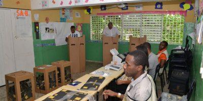 El conteo de votos sigue con una alta cuota de violencia. Foto:ROBERTO GUZMÁN