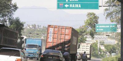 Haina es un polo industrial que mueve mucho tránsito pesado y es además puerta al Sur. Foto:Roberto Guzmán