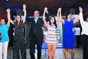 Candidato de PRM muestra interés en la igualdad de géneros. Foto:Fuente Externa