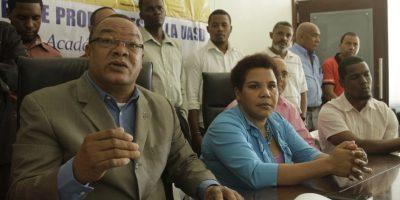 Profesores, estudiantes y empleados universitarios exigen el cumplimiento de la ley 139-01 que establece el 5% del Presupuesto Nacional para la UAS Foto:Roberto guzmán