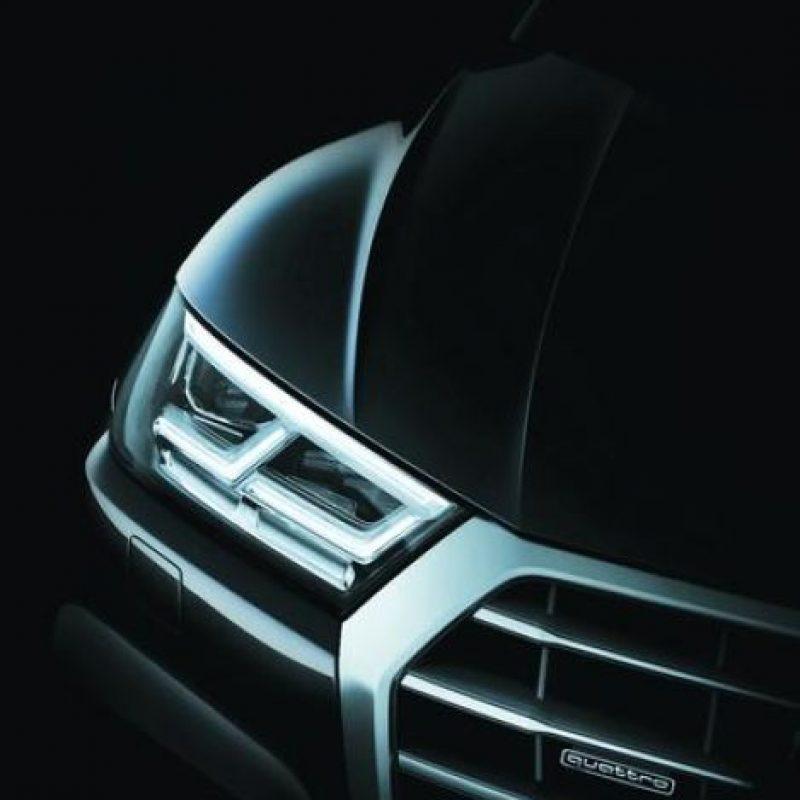 Nueva AUDI Q5. La SUV mediana es uno de los lanzamientos más importantes del año y relevante, pues está hecha en México y exportada a todo el mundo. Muy parecida a la Q7, con grupos ópticos LED, tanto para la parte frontal como para la trasera. En cuanto a motorizaciones, habrá seis versiones, tres de diésel y tres a gasolina con filtro de partículas. Foto:Metro