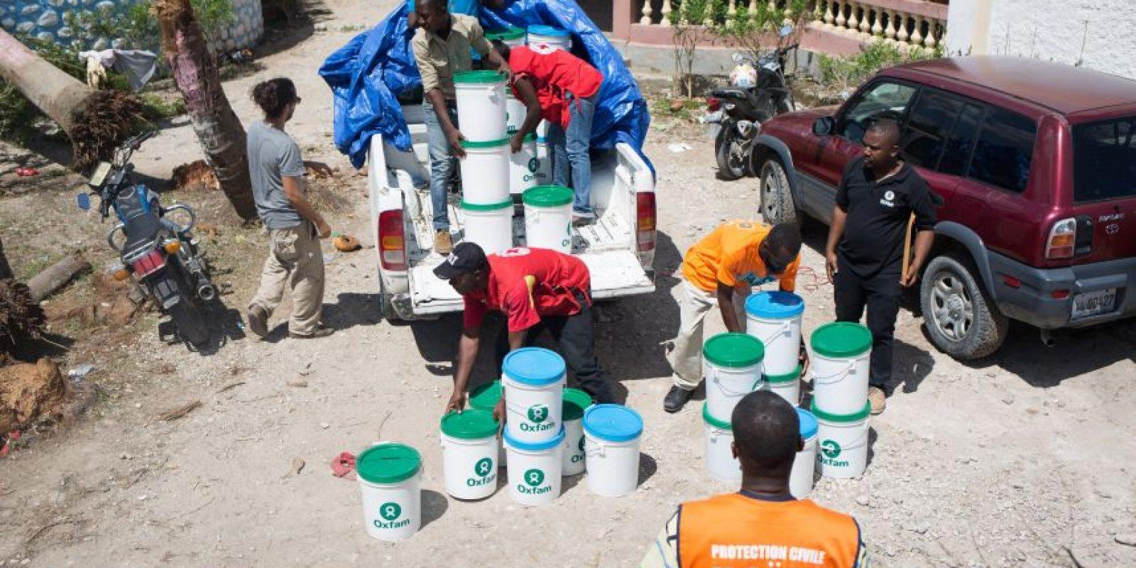 Miles de familias han perdido sus viviendas y no tienen acceso a agua potable ni a sistemas de saneamiento. Foto:EFE