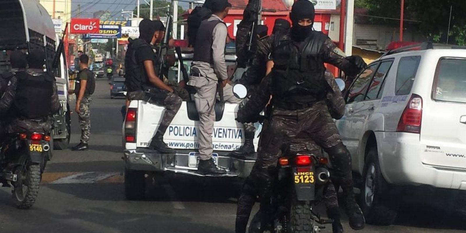 """Auge de delincuencia genera nuevo modelo de patrullaje. Al inicio de semana la Policía Nacional lanzó un nuevo modelo de patrullaje con el fin de detener la delincuencia y cuyos resultados, dijo el jefe de la uniformada, Nelson Peguero Paredes, """"esperamos que sean tangibles"""".A la iniciativa, que en su primera etapa beneficiará al Gran Santo Domingo, serán integrados agentes de la Dirección Central de Investigaciones Criminales, más miembros de la institución, quienes contarán con 50 nuevas motocicletas. Foto:Feunte externa"""