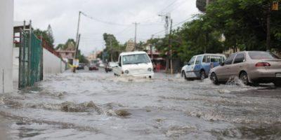 LLuvias de onda tropical causan desplazamientos