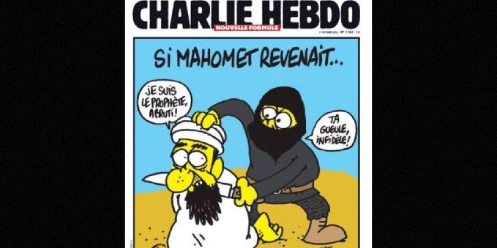 En esta imagen, un yihadista se muestra decapitando al propio profeta Mahoma Foto: Facebook: Charlie Hebdo Officiel