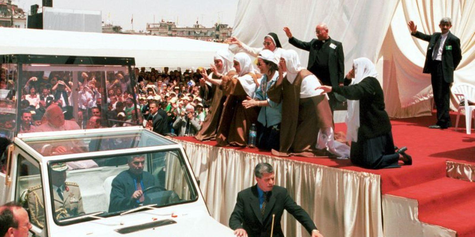 Quien ofició una misa en el Estadio Abbasid Foto:Getty Images