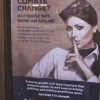 """Revolt Design. Ellos son """"parte del problema. """"Este afiche de Revolt Design tiene como objetivo a Air France, uno de los patrocinadores corporativos de la COP21. La aerolínea es """"parte del problema"""" del calentamiento global, según el llamativo cartel."""
