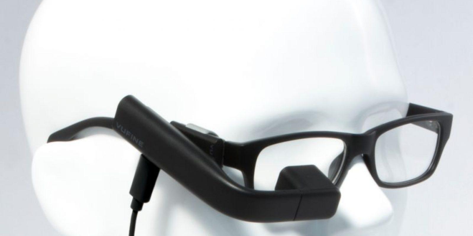 """¿Alguna vez han pensado cómo sería llevar el monitor de su computadora o la pantalla de su celular directo en los lentes? """"Vufine"""" lo hace realidad. Foto:Vufine"""