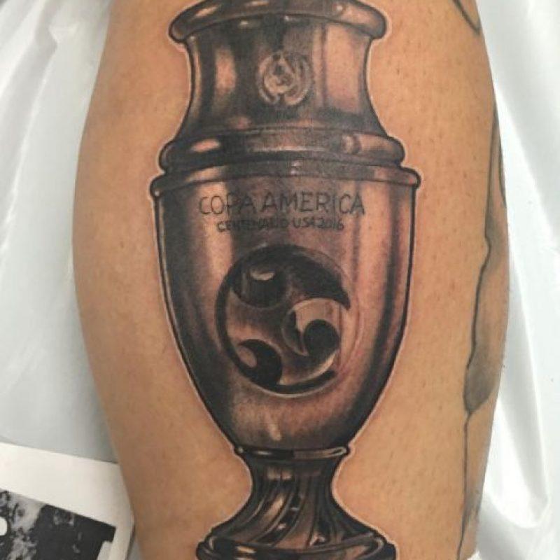Mauricio Pinilla: Además tiene tatuada la Copa América Centenario que obtuvo con Chile