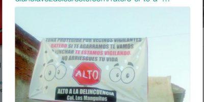 En diversos sitios de América Latina han aparecido mantas en contra de ladrones Foto:Twitter.com