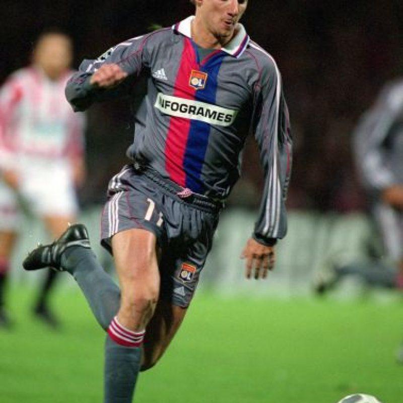 Tony Vairelles: El jugador francés fue detenido por un intento de asesinato después de un tiroteo ocurrido en un antro de Nancy, en octubre de 2011. Foto:Getty Images