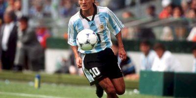 Ariel Ortega: Talentoso futbolista argentino, era el llamado a ser uno de los mejores diez de la historia e, incluso, muchos lo comparaban con Diego Maradona. Sin embargo, su adicción al alcohol no le permitió triunfar como debía y terminó en rehabilitación. Foto:Getty Images
